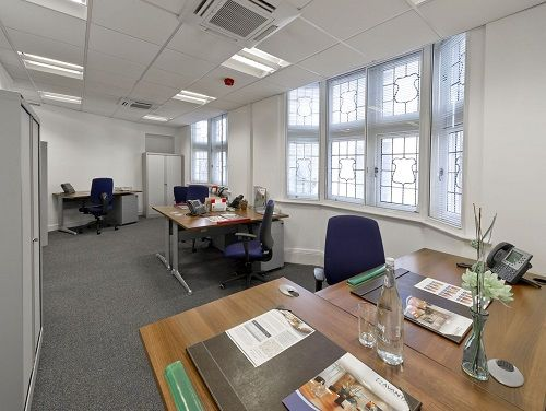 Flexible office space London Southampton Row private office