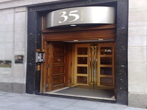 Executive offices London Piccadilly exterior