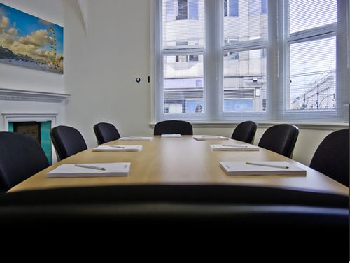 Executive offices London Mayfair Point meeting room