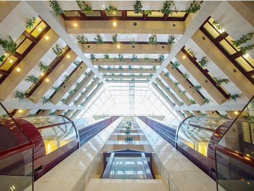 Offices to lease London Atrium