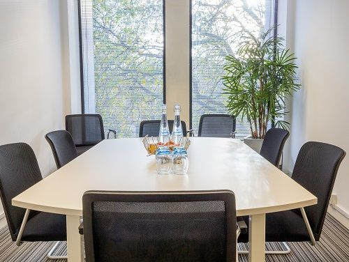 Serviced offices Central London meeting room