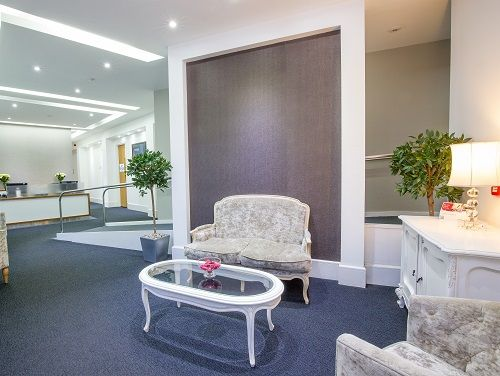 Managed office space London customer lounge