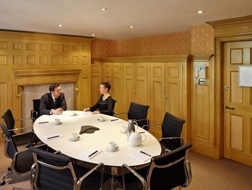London office to rent Meeting Room
