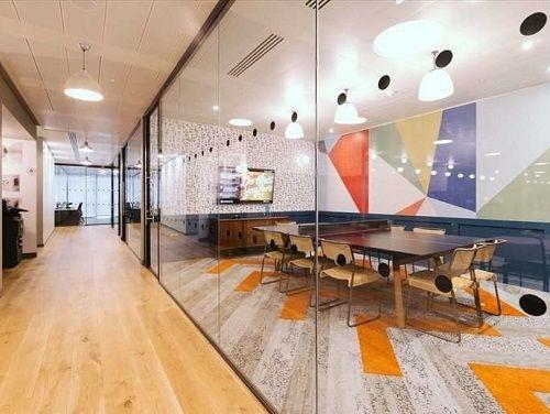 London serviced co-working meeting room and corridoor