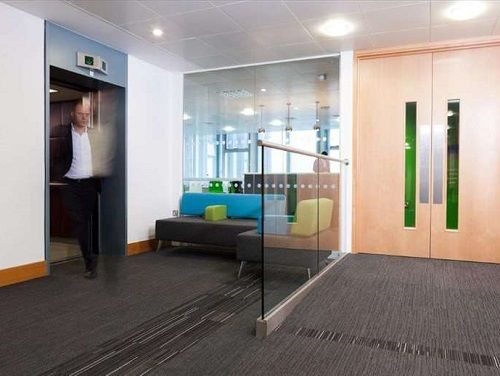 London office space to rent Entrance